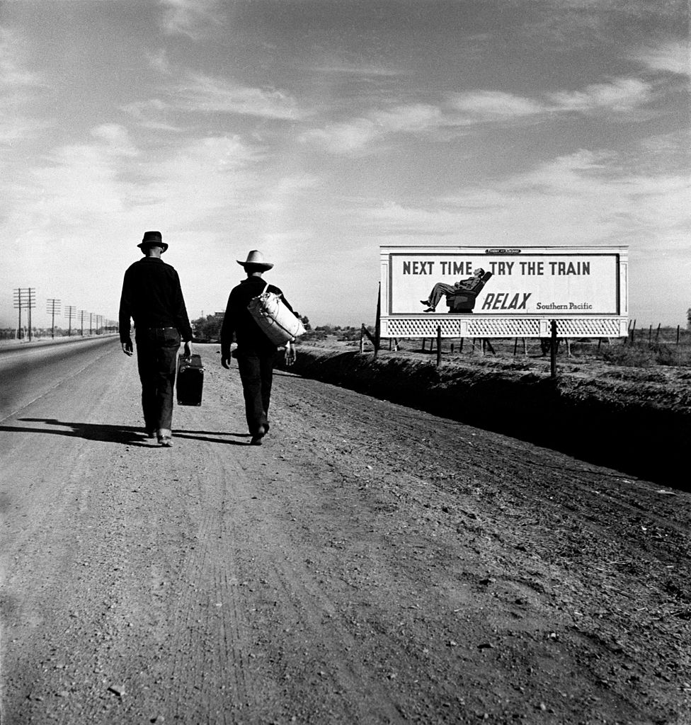 'Toward Los Angeles': hitchhikers photographed by Dorothea Lange, via Library of Congress
