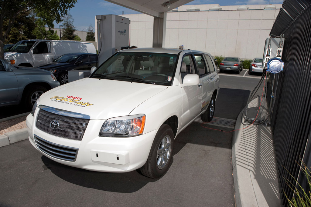 Toyota Advanced Fuel Cell Hybrid Vehicles (FCHV-adv)
