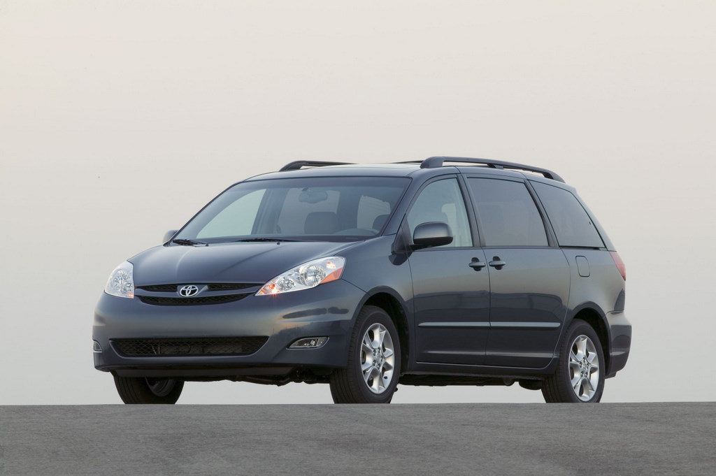Brilliant Toyota Has Issued A Huge Recall For 694,000 Toyota Sienna Minivans The Recall Stems From A Faulty Shift Lever That Could Cause Vehicles To Roll Away The Problem Affects Only Toyota Sienna Minivans Manufactured At Their Plant In