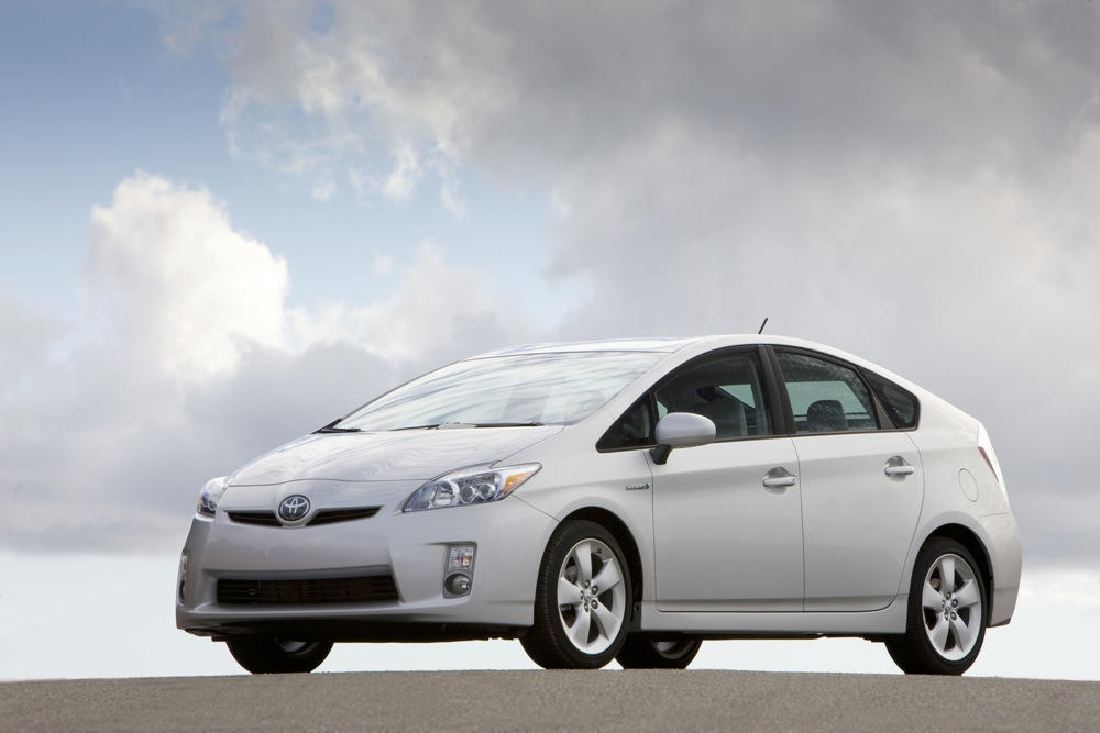 2010 Toyota Prius Boasts 3 Industry Firsts: Can You Name 'Em?