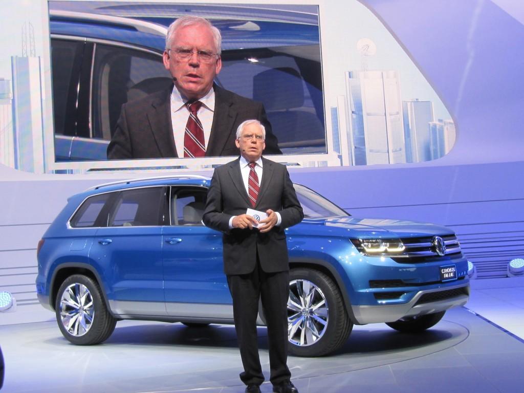 Volkswagen CrossBlue Concept at 2013 Detroit Auto Show