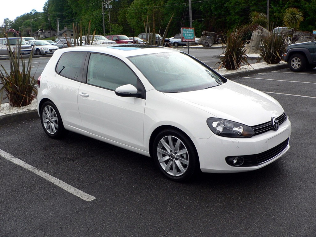 2010 Volkswagen Golf TDI Priced From $21,990, hits 40 mpg