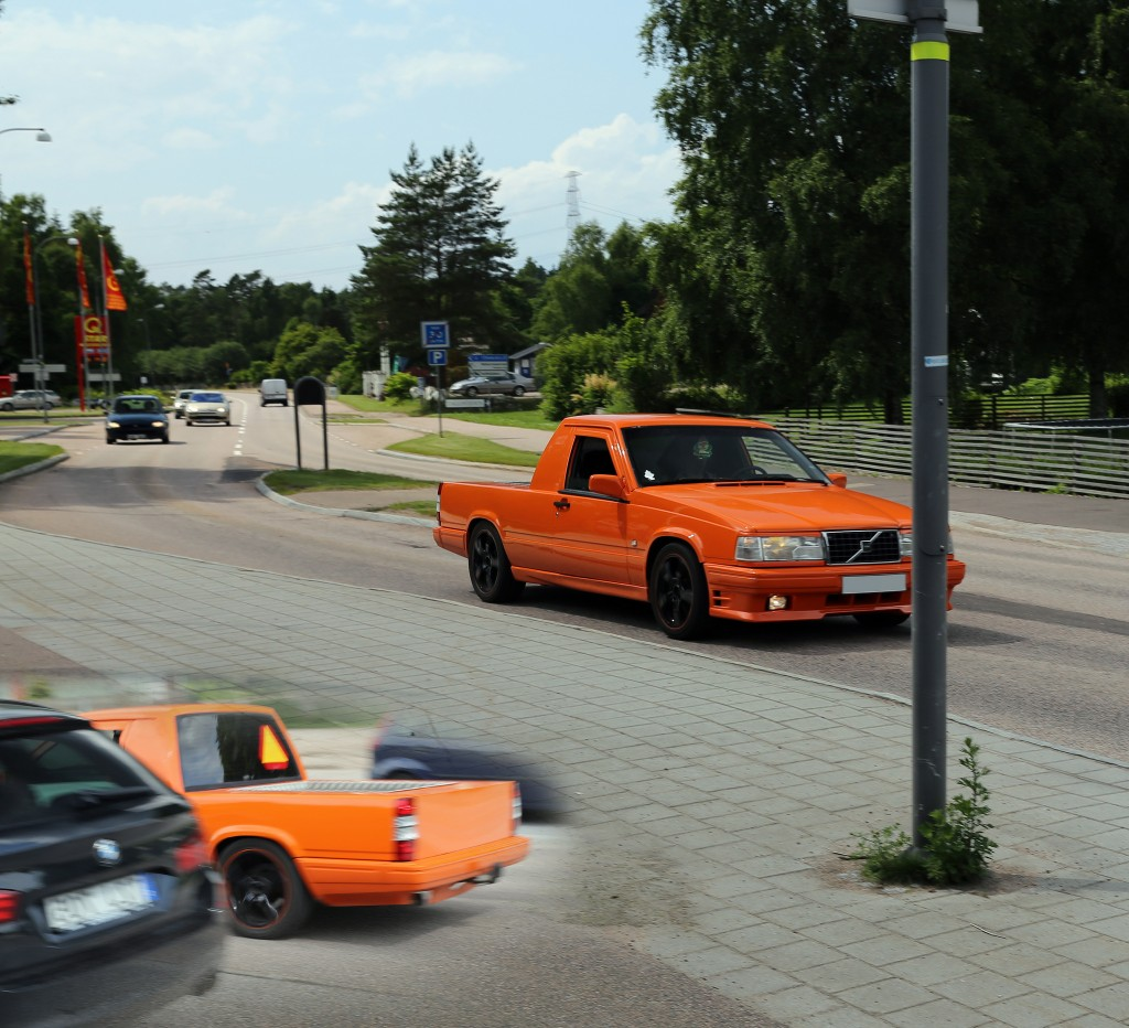 How young Swedes learn to drive: on 'tractors' that are cut-down cars