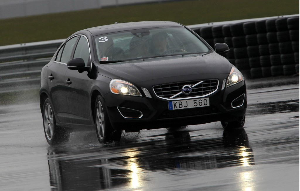 Volvo S60 KERS engineering prototype