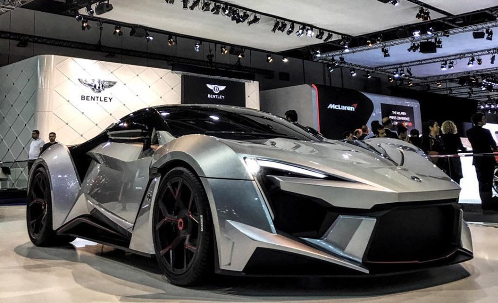 W Motors Fenyr Supersport Debuts In Dubai With 900