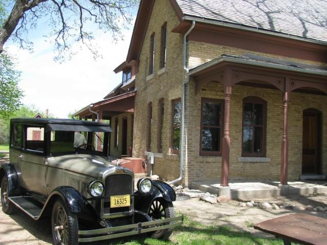 1926 Pontiac Two-Door Coach, owned by Paul Jaszczak