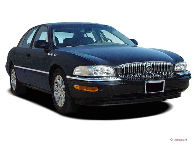 2005 Buick Park Avenue 4-door Sedan Ultra *Ltd Avail* Angular Front Exterior View