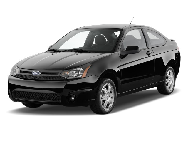 2010 Ford Focus 2-door Coupe SE Angular Front Exterior View