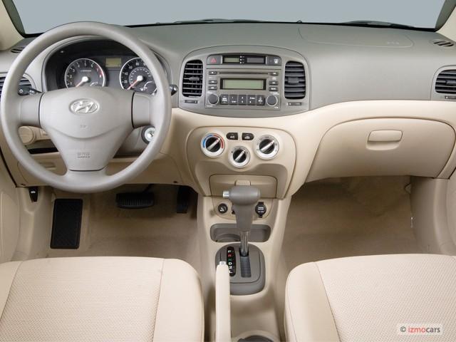 image 2006 hyundai accent 4 door sedan gls auto dashboard. Black Bedroom Furniture Sets. Home Design Ideas