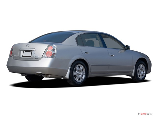 2006 Nissan Altima 4-door Sedan 2.5 S Auto Angular Rear Exterior View
