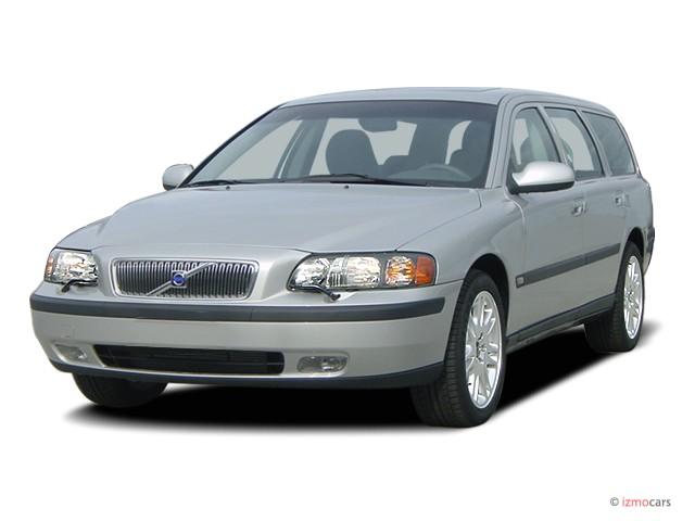 2003 Volvo V70 5dr Wagon 2.4L Angular Front Exterior View