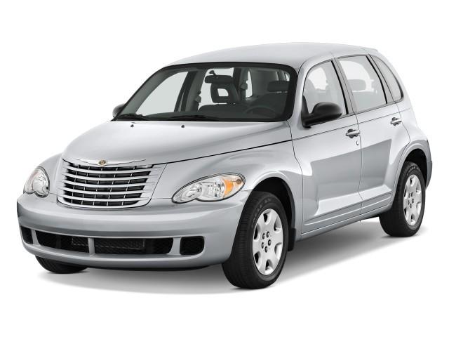 2009 Chrysler PT Cruiser 4-door Wagon Angular Front Exterior View