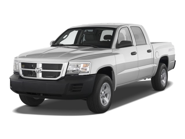 2010 Dodge Dakota 2WD Crew Cab ST Angular Front Exterior View