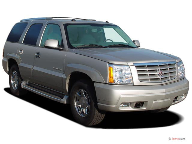 2006 Cadillac Escalade 4-door 2WD Angular Front Exterior View