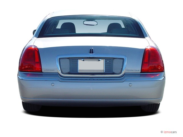 Image 2004 Lincoln Town Car 4 Door Sedan Signature Rear Exterior View Size 640 X 480 Type Gif Posted On April 12 2008 12 07 Am