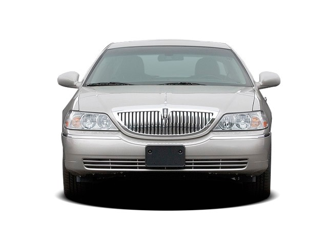 Image 2009 Lincoln Town Car 4 Door Sedan Signature Limited Front Exterior View Size 640 X 480