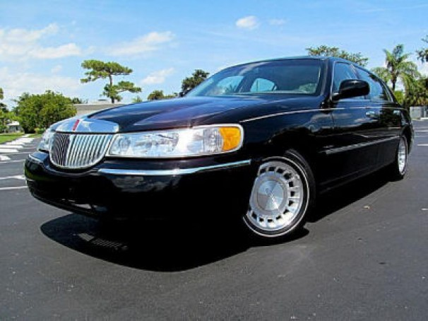 2002 lincoln town car used car