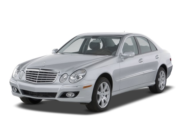 2009 Mercedes-Benz E Class 4-door Sedan 3.0L BlueTec RWD Angular Front Exterior View