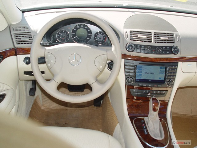 image 2006 mercedes benz e class 4 door sedan 3 2l cdi steering wheel size 640 x 480 type. Black Bedroom Furniture Sets. Home Design Ideas