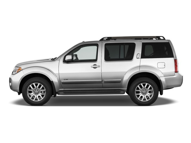 image 2010 nissan pathfinder 4wd 4 door v8 le side. Black Bedroom Furniture Sets. Home Design Ideas