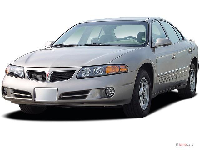 2003 Pontiac Bonneville 4-door Sedan SE Angular Front Exterior View