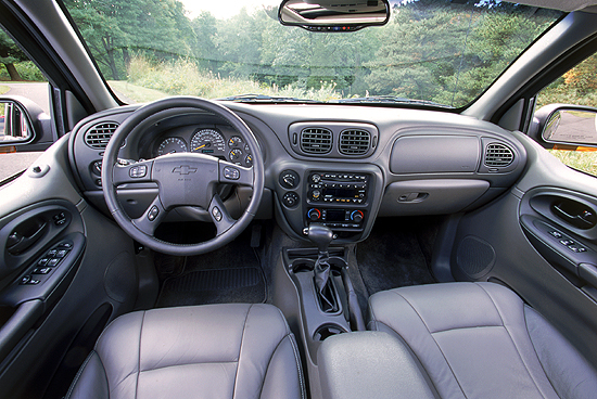 2002 Chevrolet TrailBlazer interior