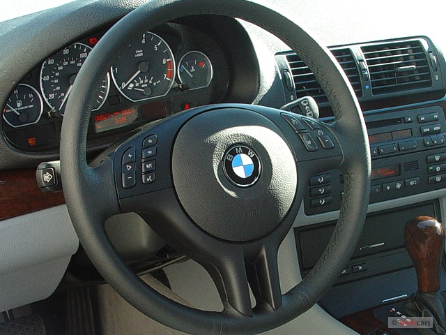 image 2003 bmw 3 series 330ci 2 door coupe steering wheel size 640 x 480 type gif posted. Black Bedroom Furniture Sets. Home Design Ideas