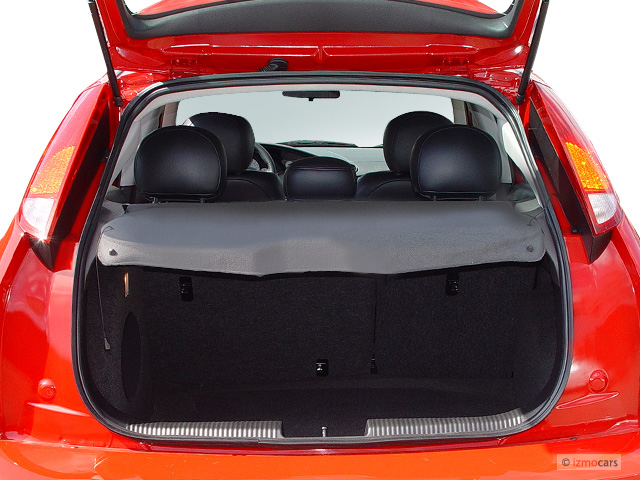 image 2003 ford focus 5dr sedan hb svt trunk size 640 x. Black Bedroom Furniture Sets. Home Design Ideas