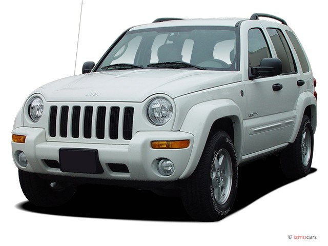 2004 Jeep Liberty 4-door Limited 4WD Angular Front Exterior View