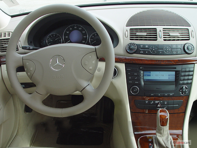 Image 2003 mercedes benz e class 4 door sedan 3 2l for 2003 mercedes benz e class sedan
