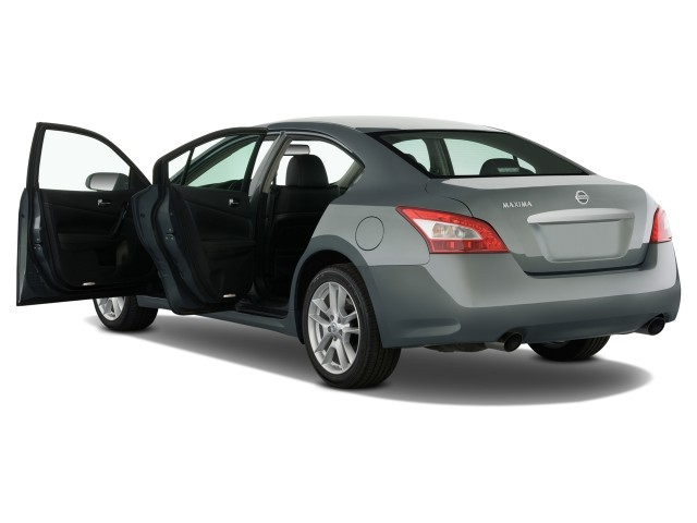 2009 Nissan Maxima 4-door Sedan SV Open Doors