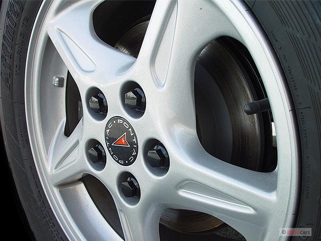 image 2003 pontiac bonneville 4 door sedan se wheel cap size 640 x 480 type gif posted on. Black Bedroom Furniture Sets. Home Design Ideas