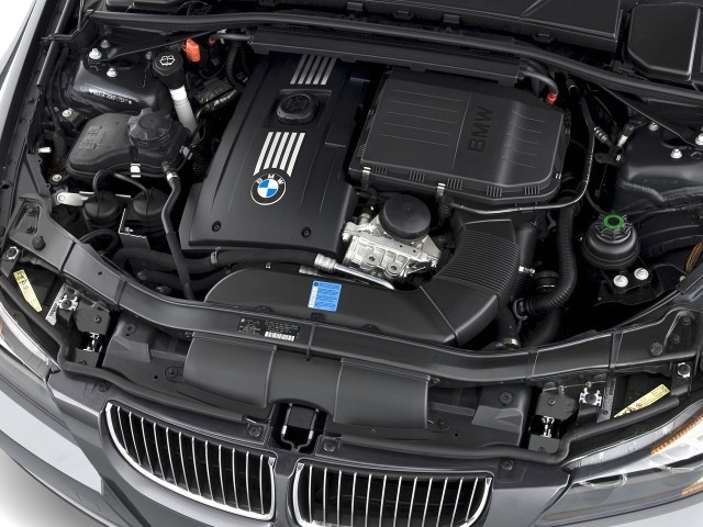 Image 2008 BMW 3Series 4door Sedan 335i RWD Engine size 640 x