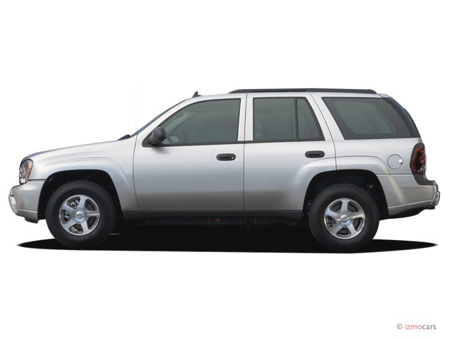 2006 Chevrolet TrailBlazer 4-door 2WD LS Side Exterior View