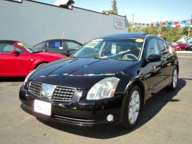 2004 Nissan Maxima used car