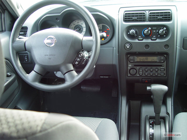 Image 2004 Nissan Xterra 4 Door Xe 2wd V6 Auto Dashboard