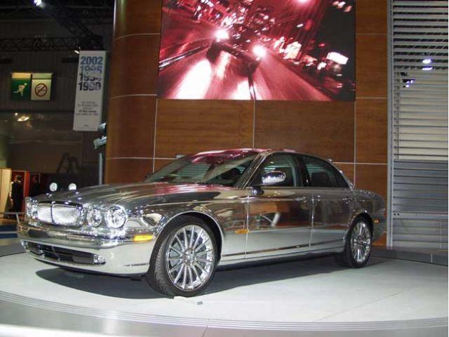 2004 Jaguar XJ Paris auto show