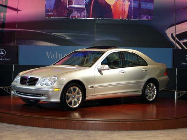 2004 Mercedes-Benz C320 sports sedan