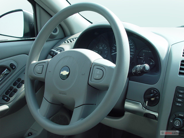 image 2005 chevrolet malibu maxx 4 door sedan ls steering wheel size 640 x 480 type gif. Black Bedroom Furniture Sets. Home Design Ideas