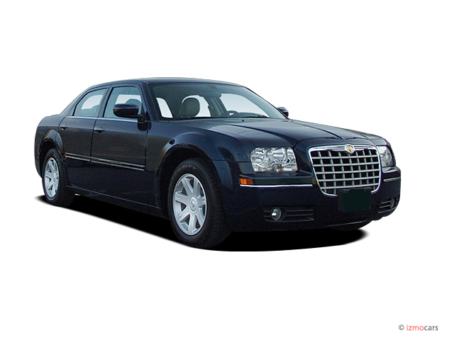 2005 chrysler 300 page 1 review the car connection. Black Bedroom Furniture Sets. Home Design Ideas