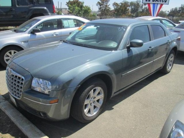 2005 Chrysler 300 used car