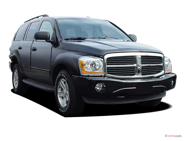 2005 Dodge Durango 4-door 4WD SLT Angular Front Exterior View