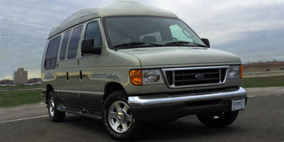 2005 Ford Econoline Wagon XL