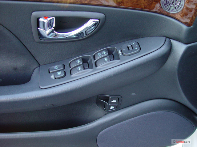 image 2005 hyundai xg350 4 door sedan l door controls. Black Bedroom Furniture Sets. Home Design Ideas