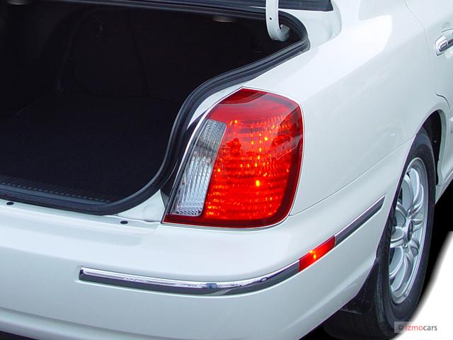image  hyundai xg  door sedan  tail light size    type gif posted