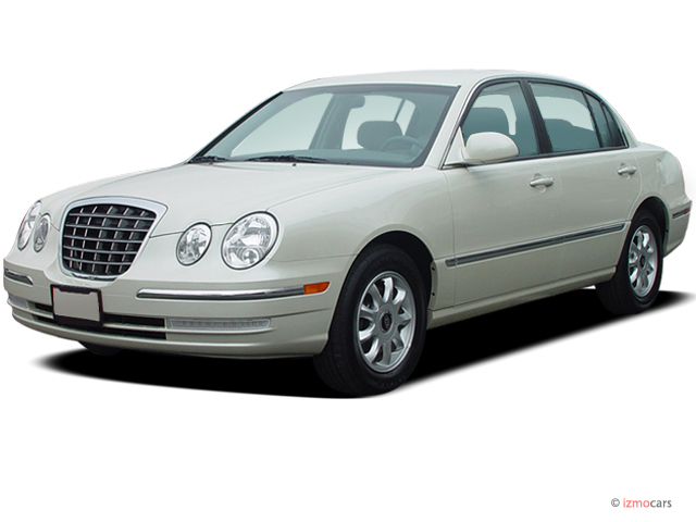 2005 Kia Amanti 4-door Sedan Auto Angular Front Exterior View