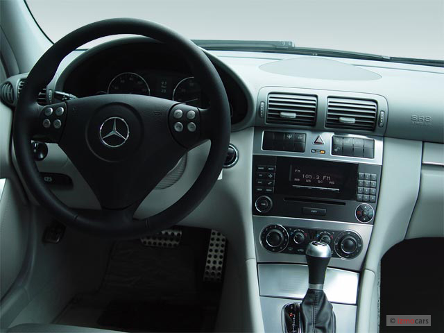 image 2005 mercedes benz c class 4 door sedan 3 2l dashboard size 640 x 480 type gif. Black Bedroom Furniture Sets. Home Design Ideas