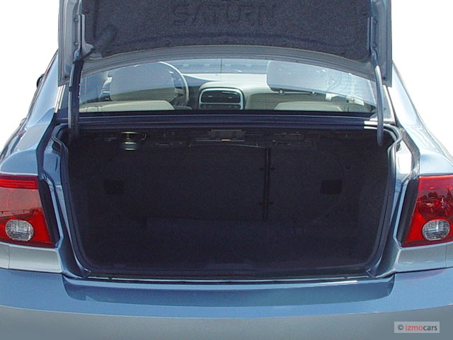 2005 Saturn L-Series L300 4-door Sedan Trunk
