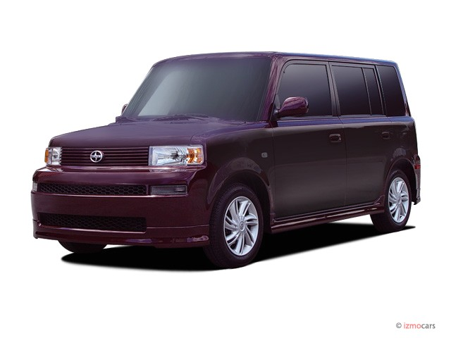 2005 Scion xB 5dr Wagon Auto (Natl) Angular Front Exterior View