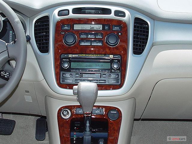 image 2005 toyota highlander 4 door v6 4wd limited w 3rd row natl instrument panel size 640. Black Bedroom Furniture Sets. Home Design Ideas